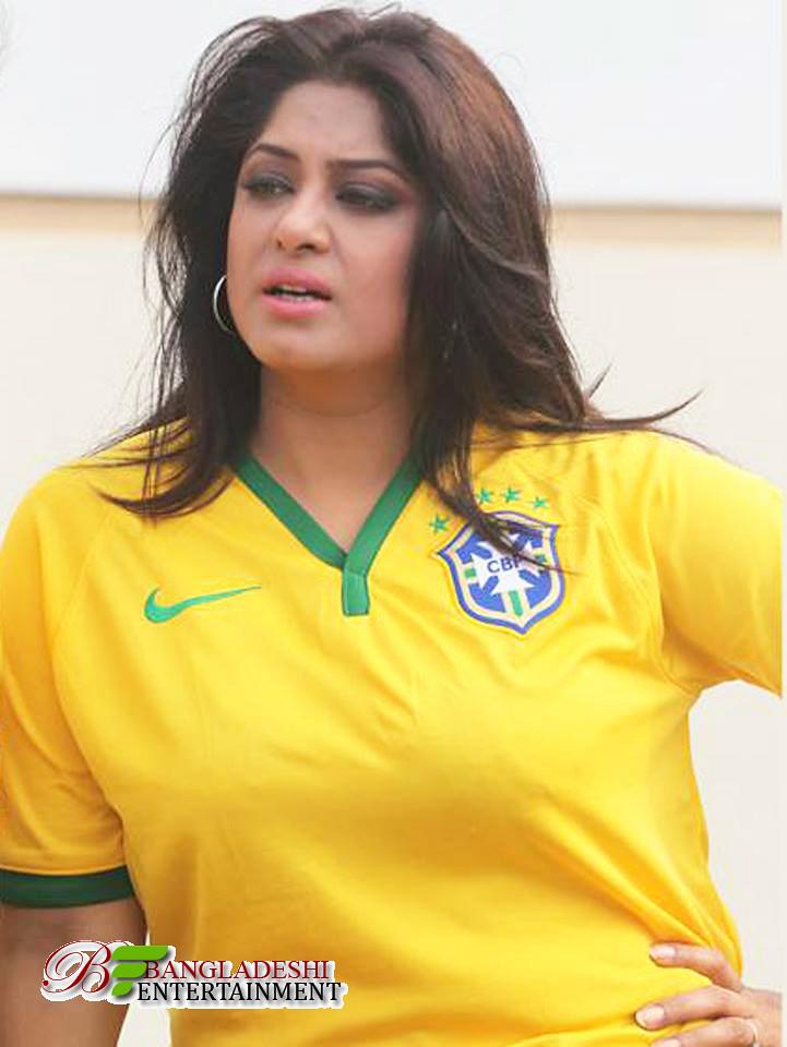 Actress Mousumi Best Photos & Short Biography 2