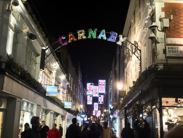 Decoración navideña en Carnaby street