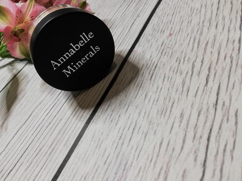 Annabelle Minerals Diamond Glow rozświetlacz mineralny