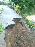 Tebing Jalan Rusak di Ambalawi Akan Ditangani BWS, Kerusakan Aspal Ditangani PU NTB