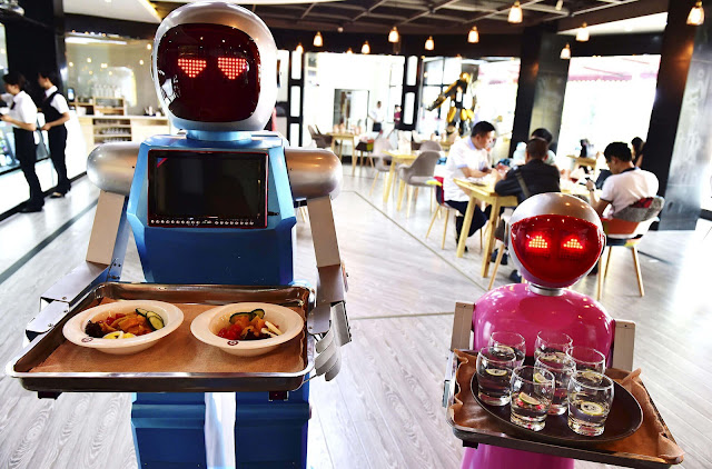 4 Examples of Artificial Intelligence in Daily Life