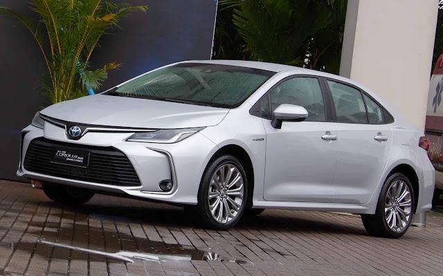 Toyota Corolla 2020 Hybrid (versão sem o pacote Premium) de R$ 124.990