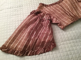 EK original 1850s dress, back sleeve detail.