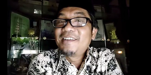 Jokowi Harusnya Bubarkan Kemenkominfo, Bukan Kemenristek