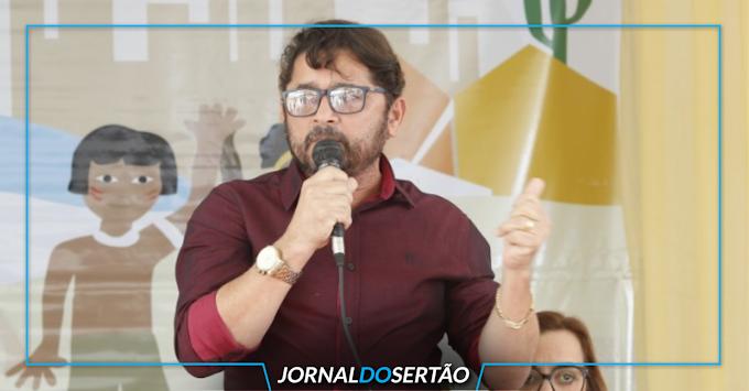 """Ednaldo da farmácia: """"Eu não me arrependo do que fiz"""", afirma prefeito de Canindé em entrevista exclusiva"""