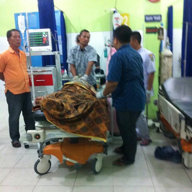 Korban penikaman di Asahan saat dirawat di rumah sakit.