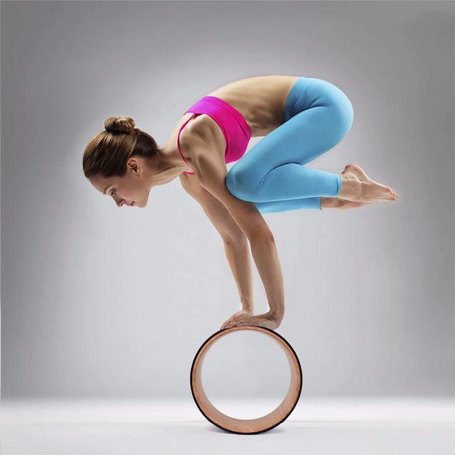 Top 5 dụng cụ tập Yoga không thể không biết