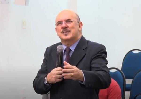 Ministro da Educação defende retorno às aulas presenciais em pronunciamento em rede nacional: 'Necessidade urgente'
