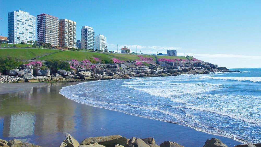 Piden a Montenegro que explique las medidas preventivas en las playas marplatenses