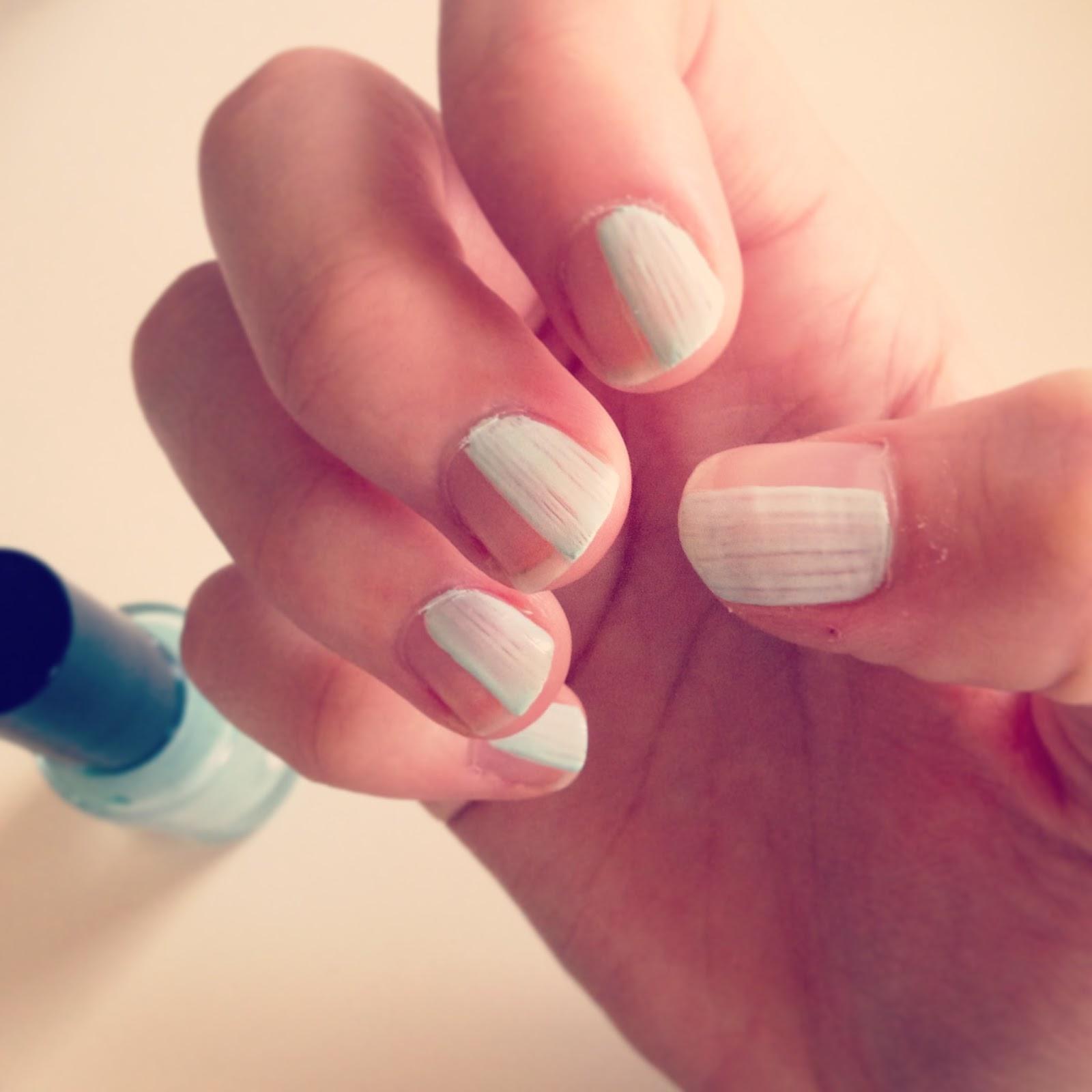 Mint nail varnish