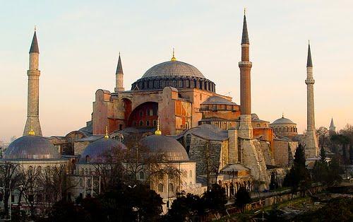 Τα τουρκικά ΜΜΕ προεξοφλούν ότι η Αγιά Σοφιά θα γίνει τζαμί