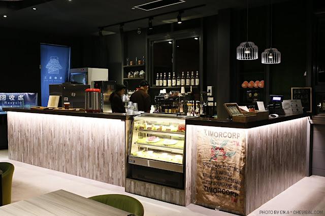 MG 5437 - 大肚夜景餐廳│三森咖啡5月新開幕!藍色公路制高點,位置偏僻樹木有點多