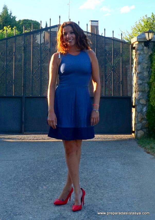 Vestido corto azul sin mangas