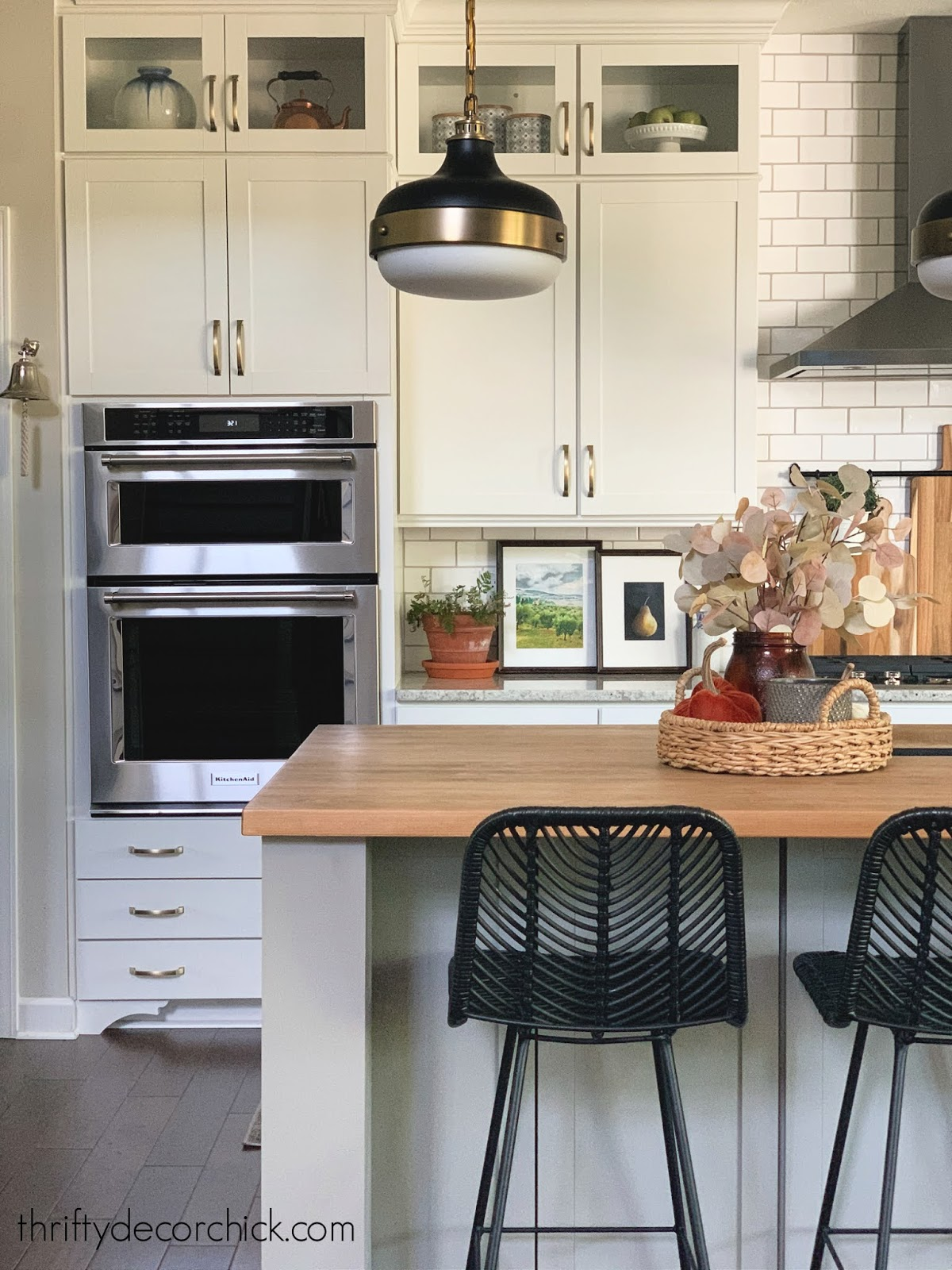 simple fall decor in kitchen