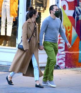 katie holmes walking to emilio s restaurant in soho ny 10 20 2020 0