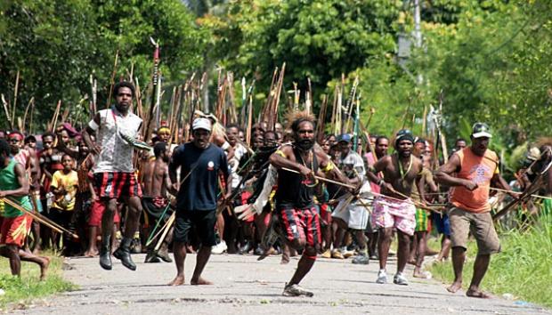 Bentrok Antara Suku Dani dan Moni di Timika, 1 Meninggal Dunia dan 91 Orang Luka .lelemuku.com.jpg