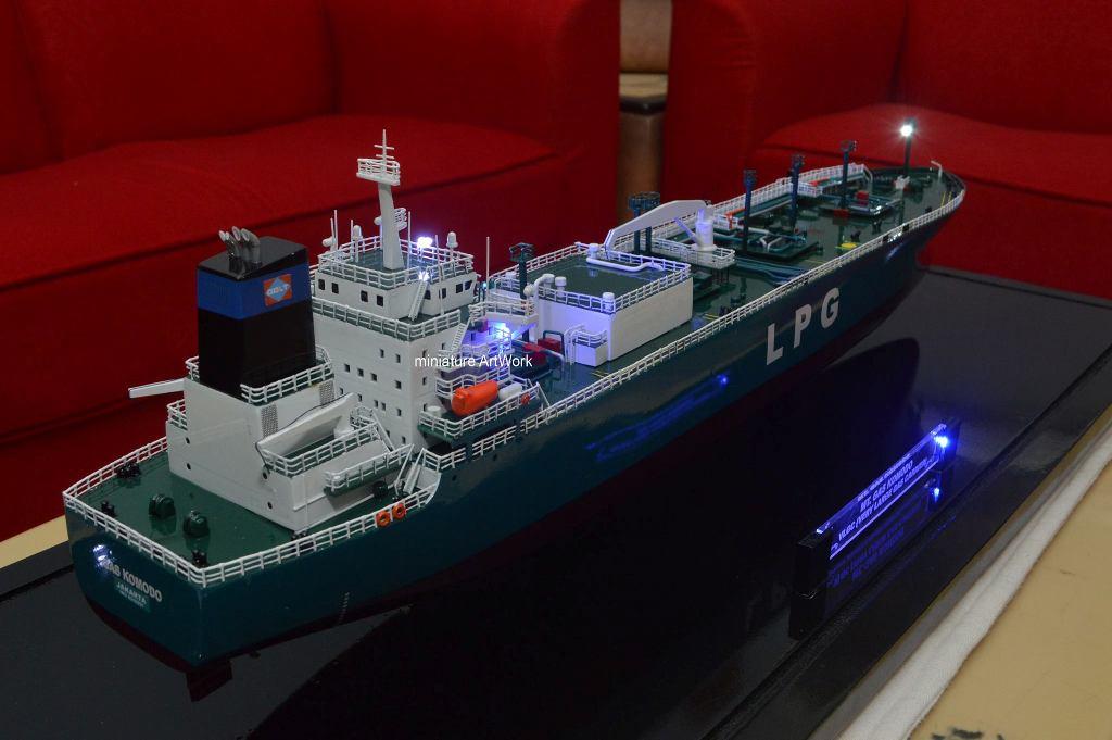 pembuat produsen miniatur kapal tanker lpg gas komodo pt pertamina berkualitas rumpun artwork temanggung planet kapal indonesia
