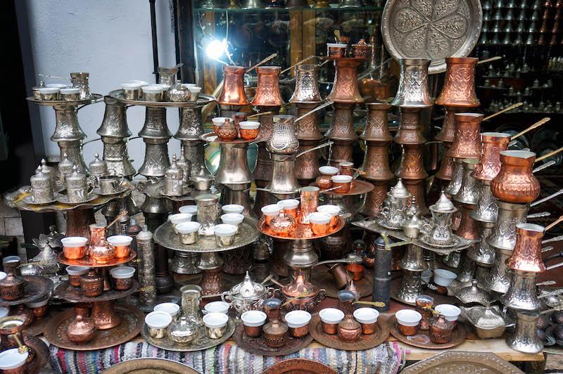 jedzenie w Bośni, jedzenie na Bałkanach, podróż do Bośni, podróż na Bałkany, herbata po turecku, kawa po turecku