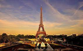 Enjoy the Beauty of the Paris Eiffel Tower with a Luxury Restaurant