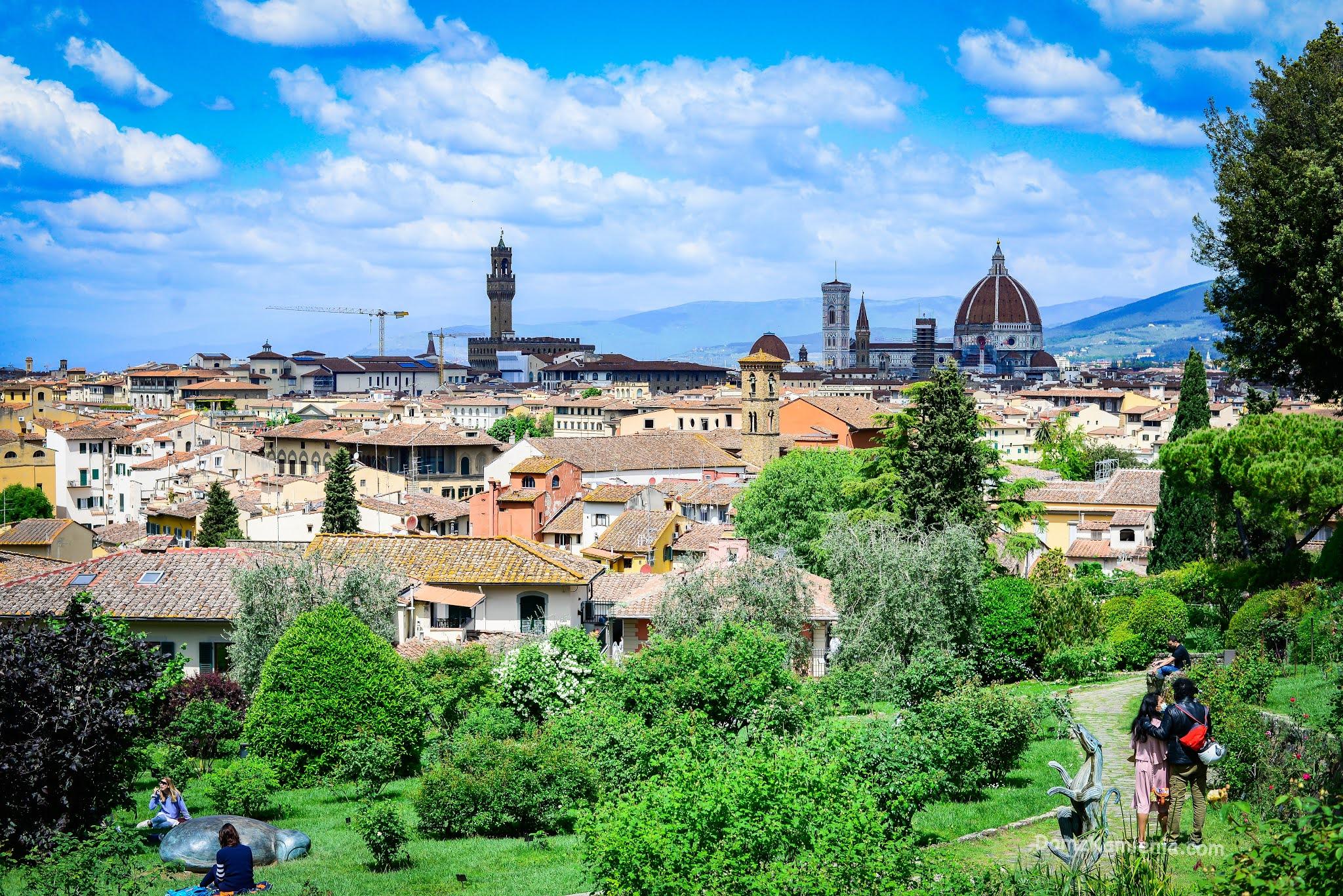 Dom z Kamienia, Florencja Ogród Róż