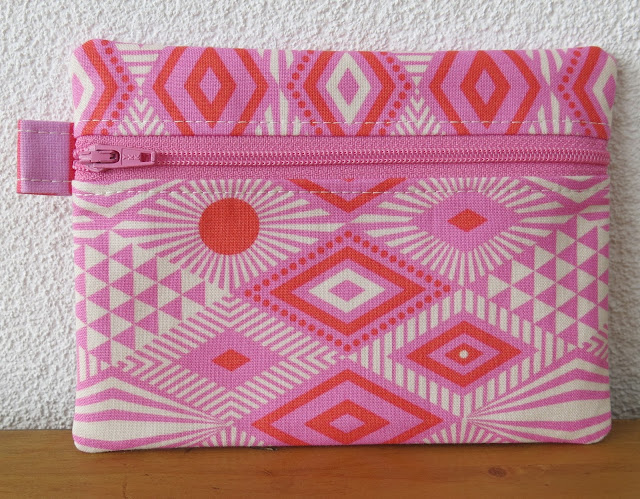 Luna Lovequilts - Zippered pouch - Tula Pink print