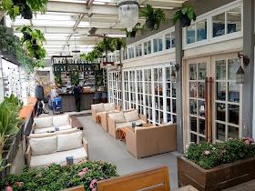 Equatore_rooftop_cafe_palembang