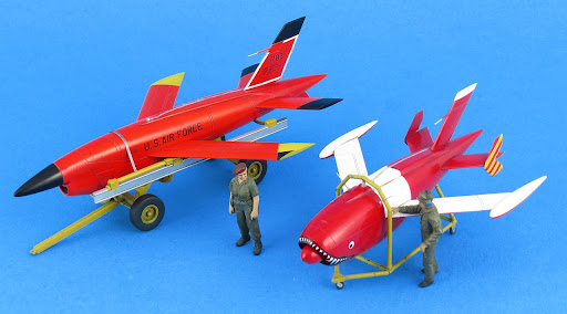 Dual Build Review - ICM's 1/48th scale Ryan Q-2A/C Firebee w/ Trailer