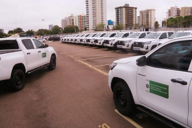 Governo entrega 20 novos veículos para reforçar ações contra desmatamentos e incêndios florestais em Rondônia