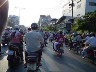 Tráfico de motos en Ho Chi Minh - Vietnam