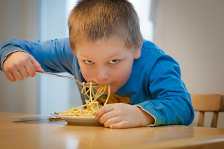 مراحل نمو الطفل (التربية الغذائية )
