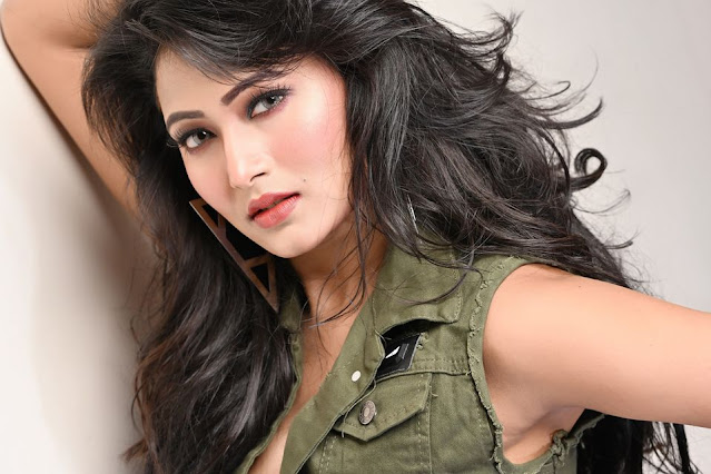 Adhora Khan is a Bangladeshi film actress. She was born on 10th March, 1992 in Dhaka. She is also a model and starts her career with her debut film Nayok (2018) directed byM.N. Ispahani, Arif Al Ashraf and co-star Bappy Chowdhury. Matal (2018) is released on 26th October, 2018. She is a co-star in this film. She is also a co-actor in Border film directed by Saikat Nasir. Unmad film directed by Apurba Rana, Roshan and Adhora Khan have acted in the film.