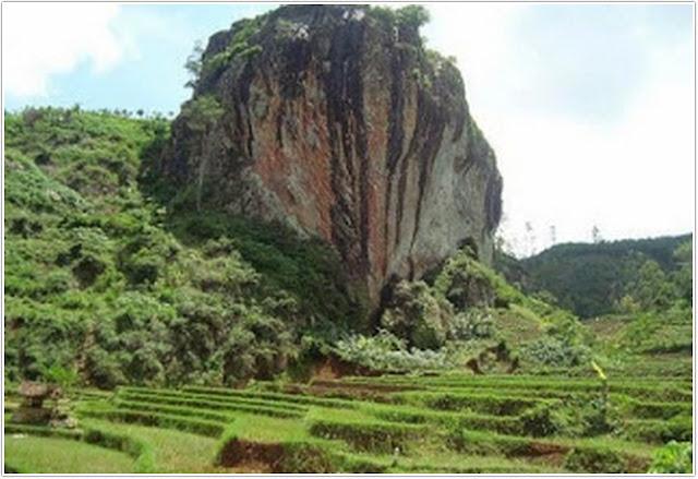 Wisata Watu Semaur;10 Top Destinasi Wisata Ponorogo