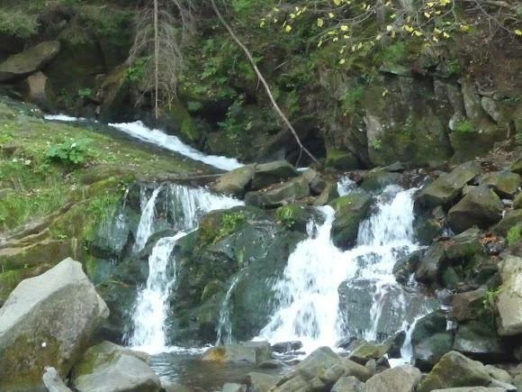 Национальный природный парк «Сколевские Бескиды». Водопад. Река Каменка