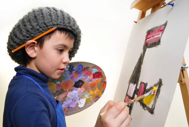 5 Tips Melatih Anak dalam Meningkatkan Kreativitas Menggambar