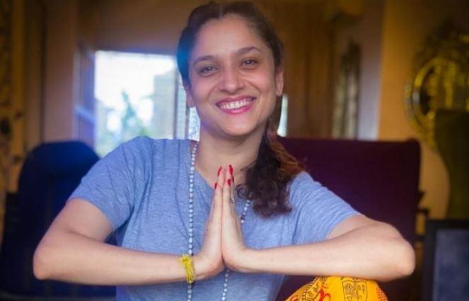 एक लंबे समय के बाद खुलकर मुस्कुराते हुए नजर आई अंकिता लोखंडे