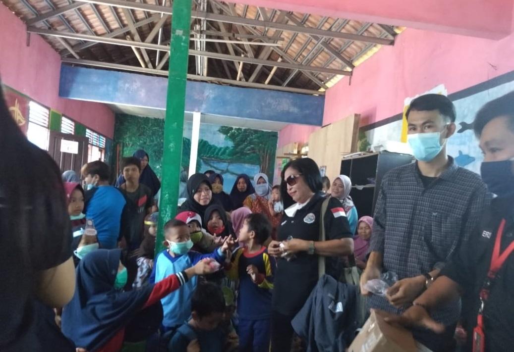 IWO Berikan Konseling Bagi Anak Korban Banjir Bandang Cicurug