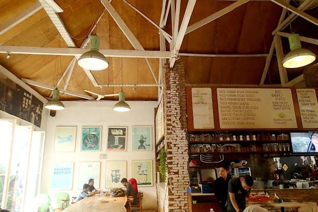 interior kedai kopi 170