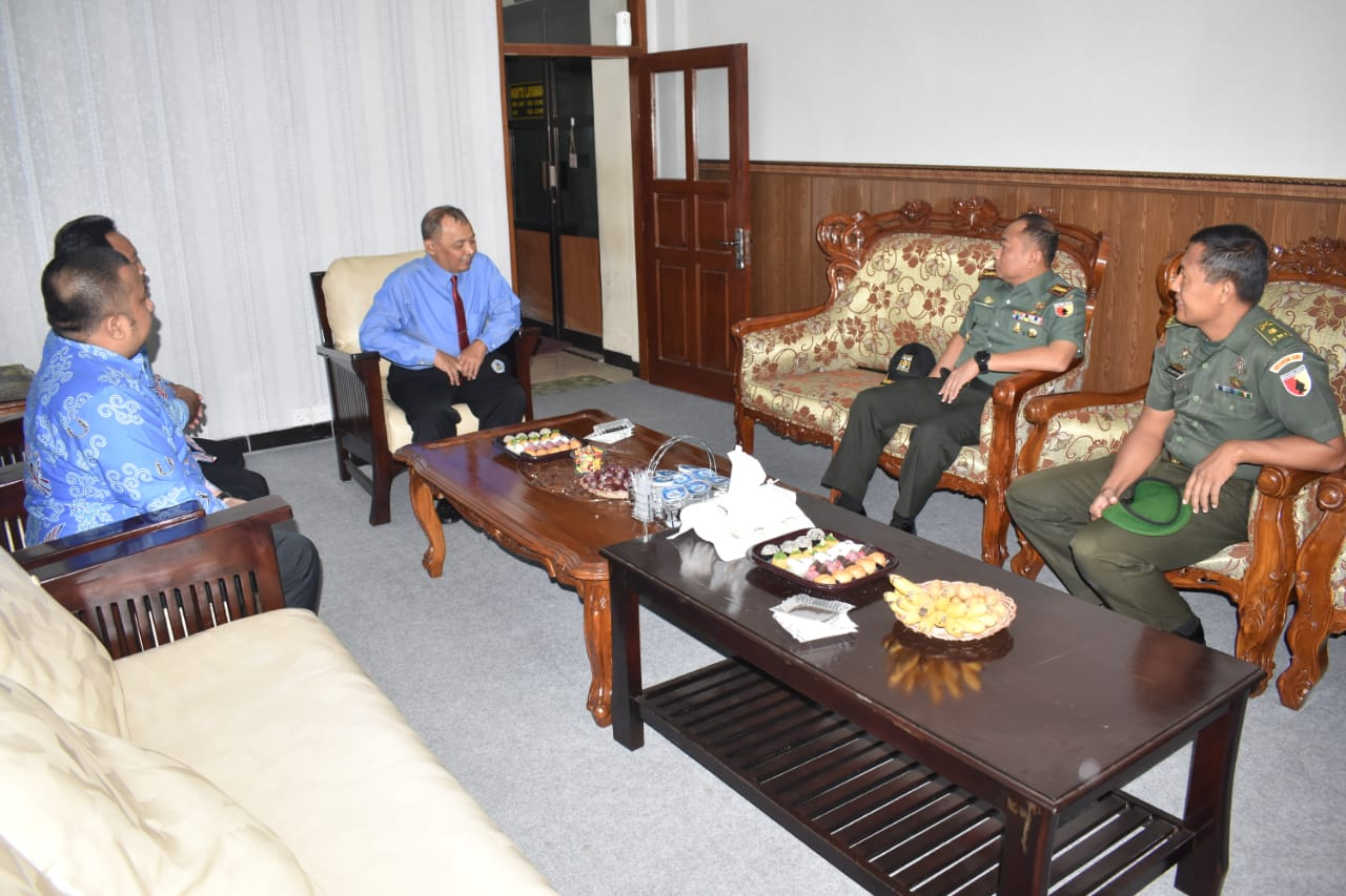 Kolonel Inf Masduki Beri Kuliah Umum, Warek 3 UNIPMA Beri Apresiasi