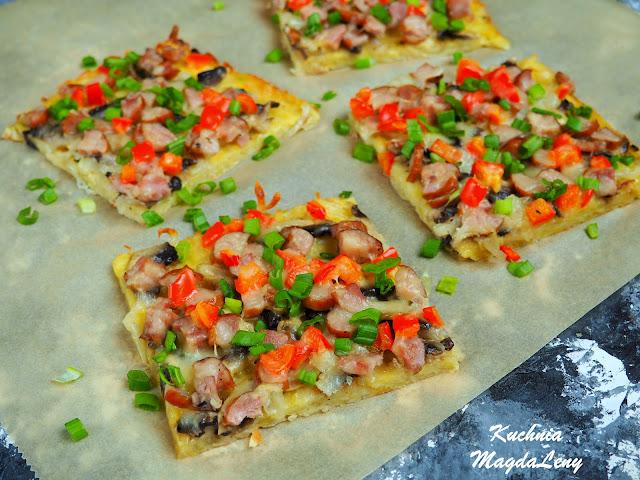 Placek ziemniaczany a'la pizza pieczony w piekarniku