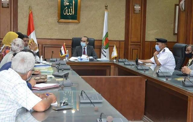 نائب محافظ سوهاج يترأس الاجتماع العاشر للجنة مراجعة تراخيص أعمال البناء