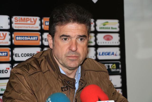 Gonzalo Arconada, en la rueda de prensa de su presentación en el Barakaldo CF
