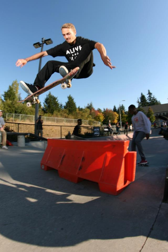 Bellevue Skatepark: Stevie Williams & Keelan Dadd Supra ...