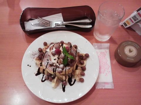 バースデーパンケーキ¥0-2 デニーズ今池店
