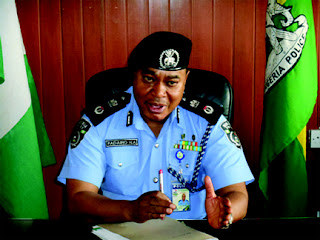 Robbers kill policeman, snatch seven cars in C'River