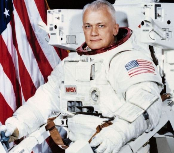 NASA Astronaut, Bruce McCandless, who made first space flight, dies at 80