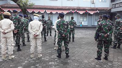 Jam komandan Lanal Mataram di Lapangan Apel