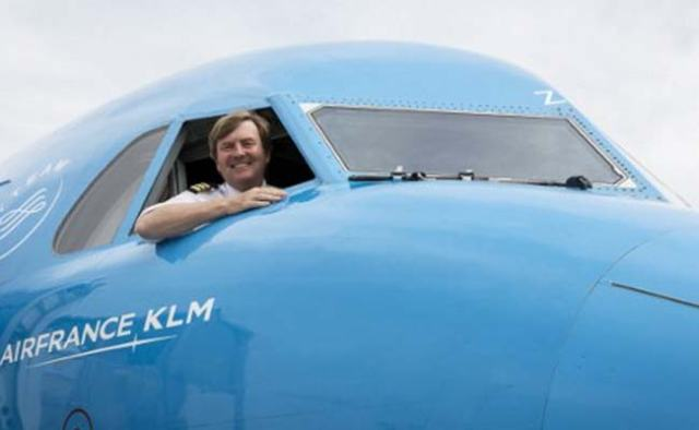 ويليام ألكسندر ملك هولندا يعمل كطيار مدني