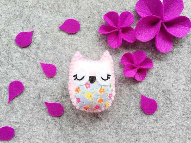 DIY stuffed felt owl with free pattern light pink owl