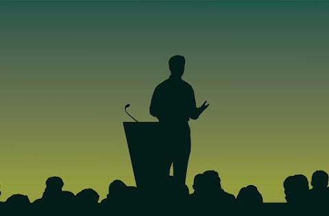 Un curs de public speaking te poate ajuta sa iti stapanesti emotiile