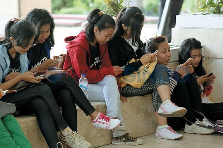 Ini Dia Dampak Buruk Media Sosial Bagi Anak Muda, Mari Kita Cek